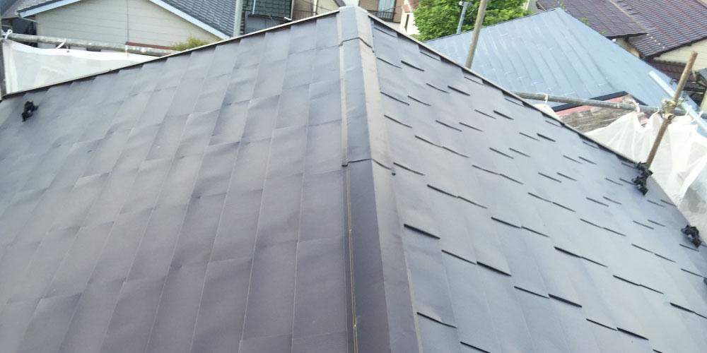 ガルバリウム鋼板に屋根葺き替えが完了