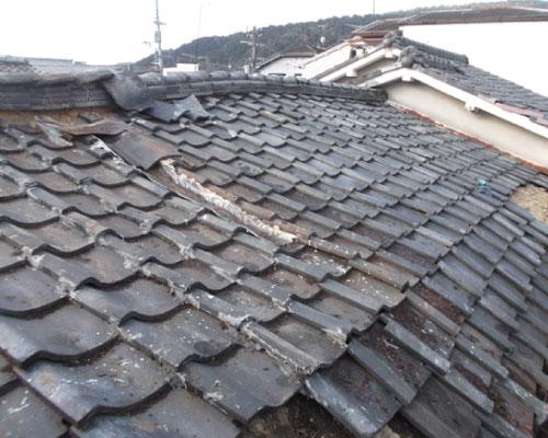 屋根の歪み